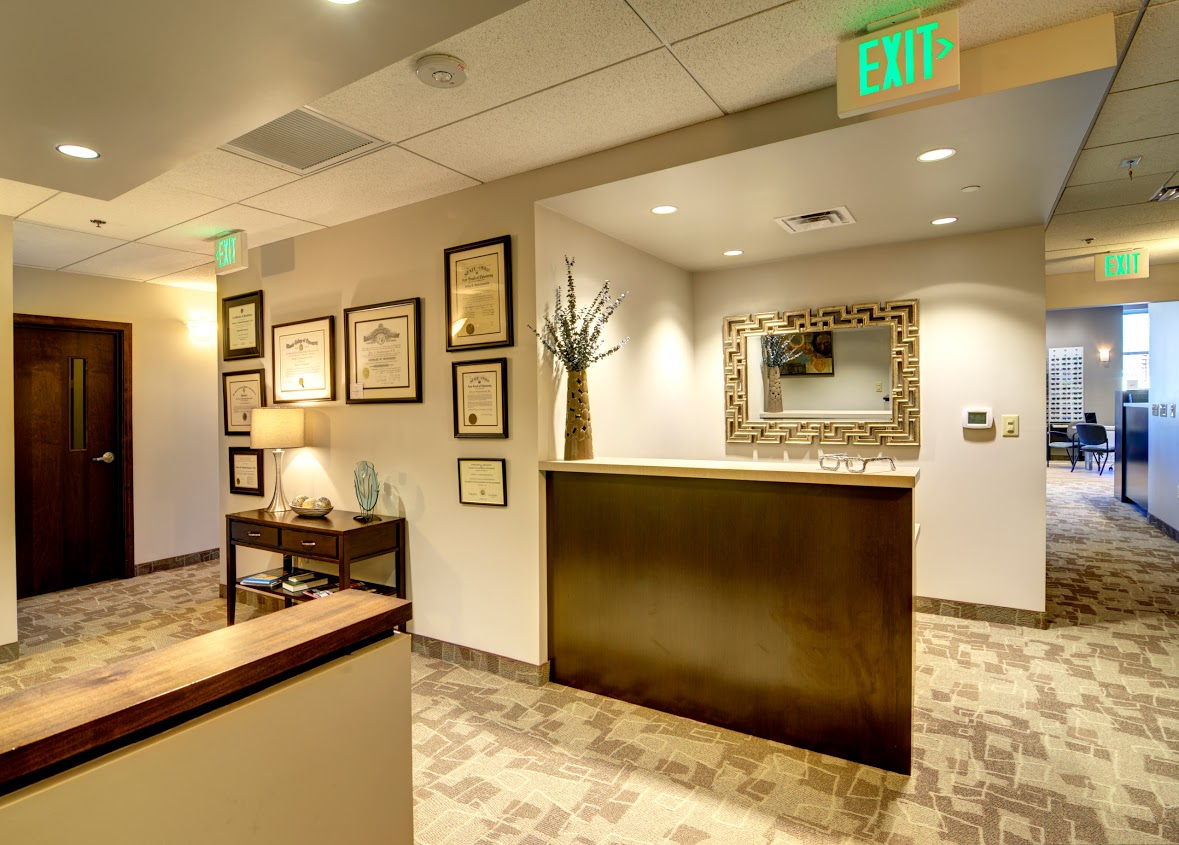 Family Eyecare Center Dr. Jeff Handschumacher